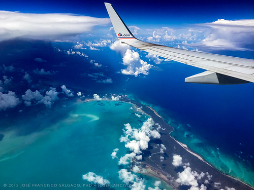 ocean sea apple airplane island mar bs airborne avión atlanticocean isla marcaribe iphone thebahamas caribbeansea océano crookedisland océanoatlántico commonwealthofthebahamas iphone6plus aa2414 miatosju