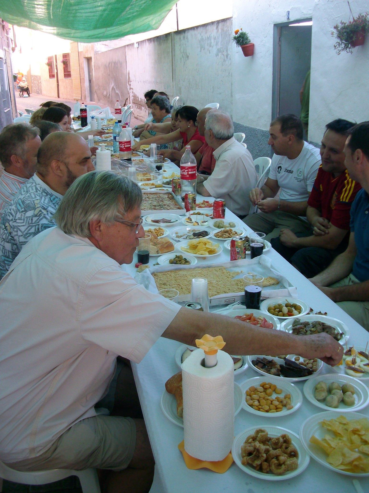 (2012-07-01) - Almuerzo calle del Cristo - José Vicente Romero Ripoll (27)