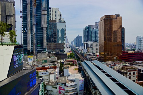 city urban station train shopping thailand asia view bangkok sony centre tracks center line east southeast alpha dslr skytrain 77 slt bts phrom phong emquartier