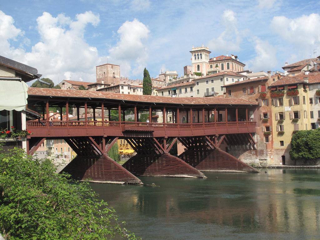 Bassano del grappa ponte degli alpini again in bassano for Arredamenti bassano del grappa