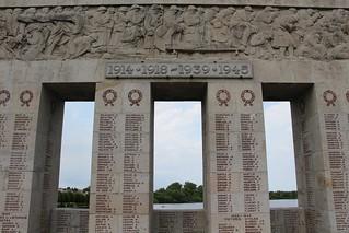 Saint-Quentin - Monument aux Morts