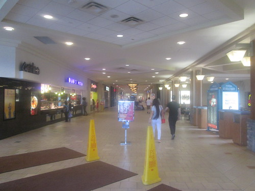 retail mall restaurant store pa foodcourt wilkesbarre 2015 wyomingvalleymall