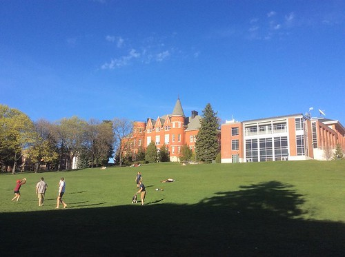 Sun + students = Great times on Thompson Flats! ☀️