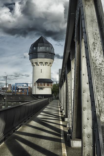 Wasserturm am Hauptbahnhof Darmstadt