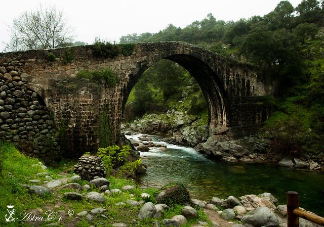 Puente Romano en Madrigal de la Vera