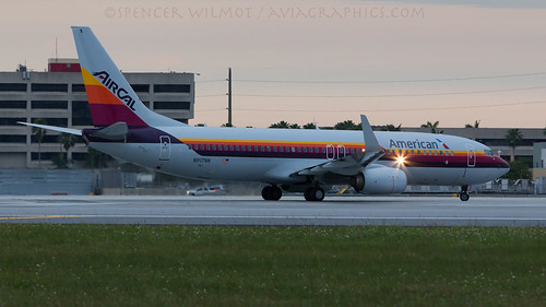 sunset plane airplane airport dusk aircraft aviation jet retro american boeing americanairlines departure aa airliner 737 aal jetliner b737 737800 liningup b738 speciallivery aircal specialcolours specialmarkings n917nn