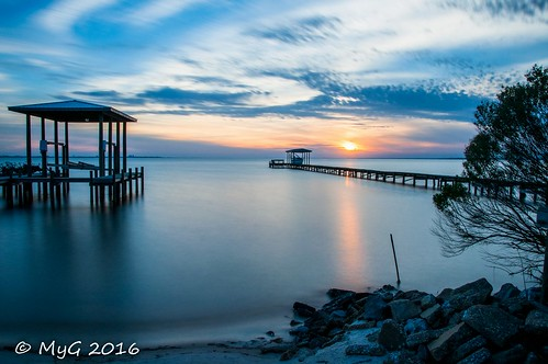 nikon nikkor18105 d90 longexposure 30seconds myg 2016 florida bay water sky sun sunset shadows serenity eau emotion clouds ciel colors contrast soleil sundown shades nature nightscape outdoor ocean rocks tree mygphotographiewixsitecommyg2017