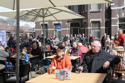 2016-04-17 Optreden Jaarmarkt Dongen Bij de cammeleur (6)