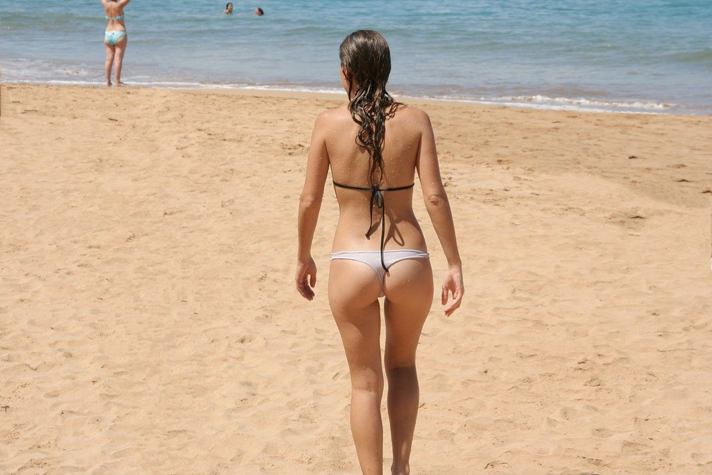 Naked at the beach video — photo 9