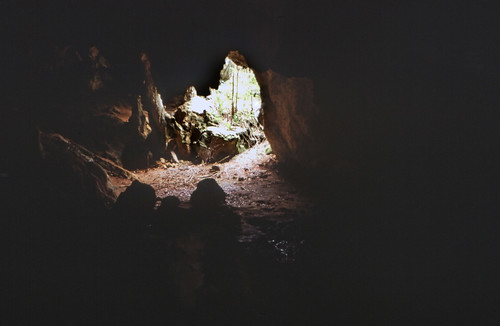 höhle deadmanscaycave dia analogfilm scan 1980s slide 1980er diapositivfilm kleinbild kbfilm analog 35mm canoscan8800f contax137md bahamas amerika westindischeinseln karibik mittelamerika thebahamas nordamerika 1989 insel longisland deadmanscay rüdigerstehn
