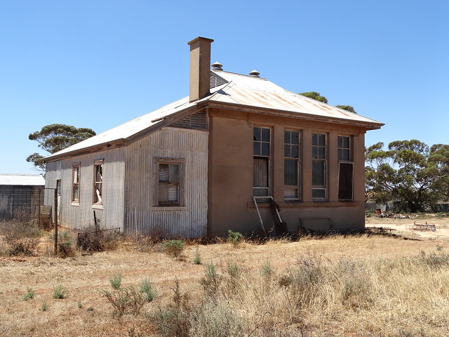 Pata. The old state school opened as Muljarra school. This school room was built around 1920. The school operated from 1919 to 1955.
