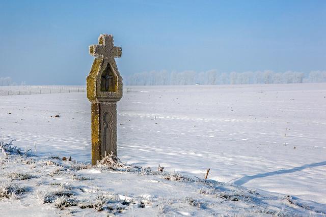 Wegekreuz in der Froststimmung