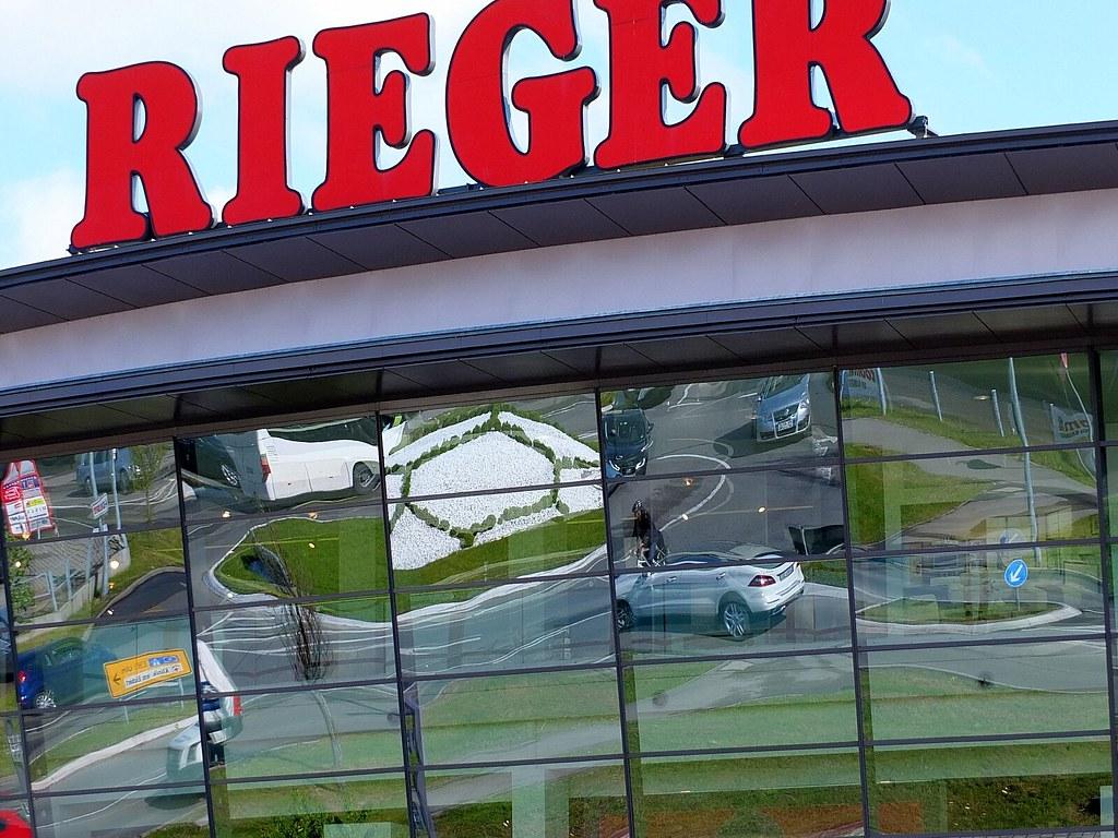 Kreisverkehr Möbel Rieger Der Bekannteste Und Größte Kre Flickr