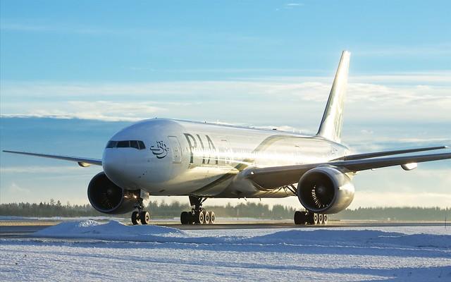 AP-BGJ PIA Pakistan International Airlines Boeing 777-240(ER)