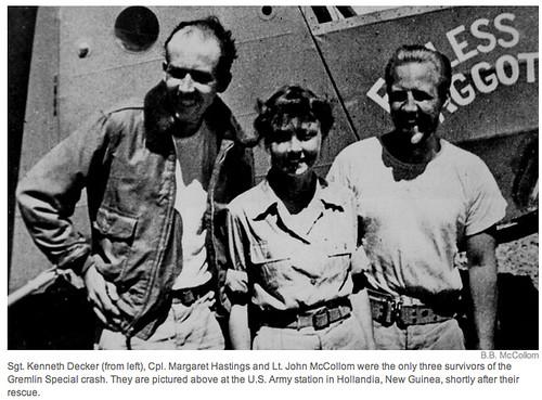 El sargento Kenneth Margaret Hastings y el Teniente John McCollom poco despues de su rescate