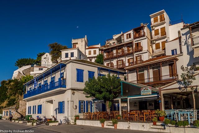 Skopelos Stadt - Mond