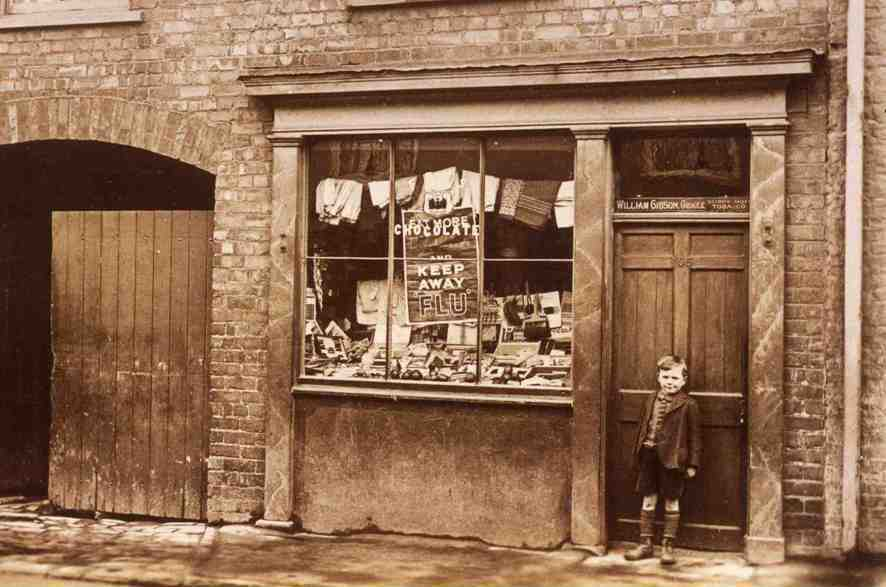 Gibsons Grocers, Minster Moorgate, Beverley 1905 (archive ref DDX1525-1-4)