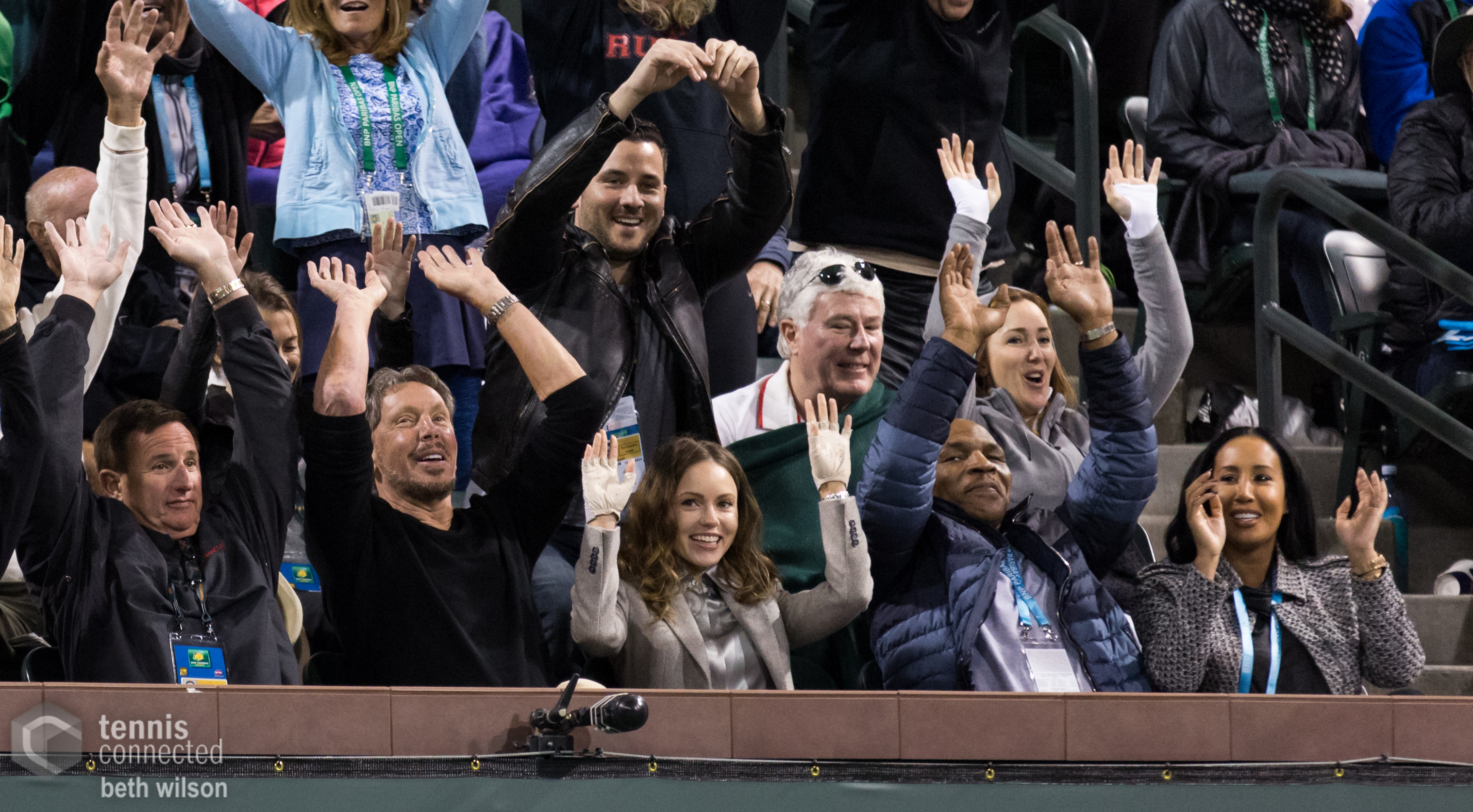 Everyone does the wave - even Larry Ellison and Mike Tyson