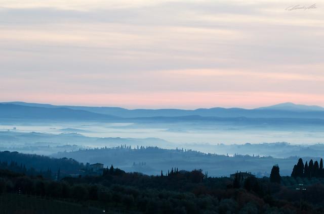 The lightness of the mist