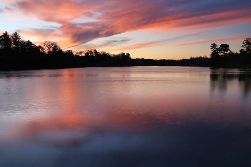 winter sunset sky lake cold reflection water lago atardecer evening agua asheville northcarolina beaver cielo invierno puestadelsol wnc westernnorthcarolina carolinadelnorte