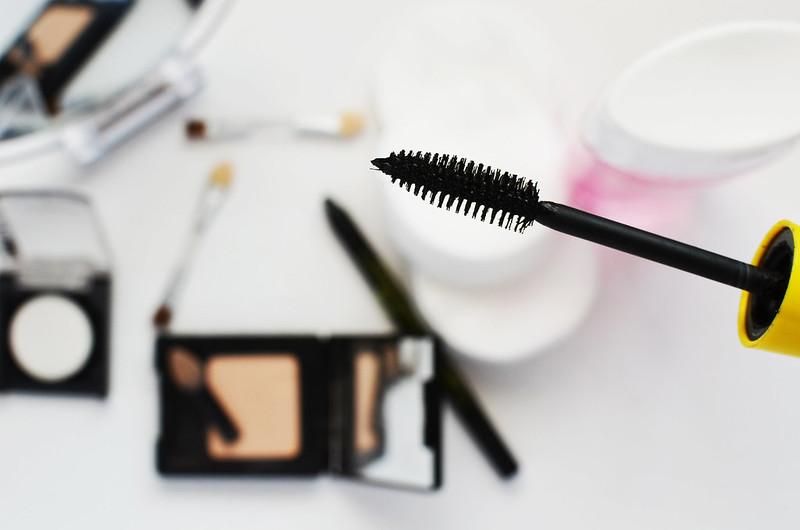 fashion-girl-makeup-paint-1