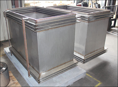 Seismic Universal Rectangular Expansion Joints for a clean room in California