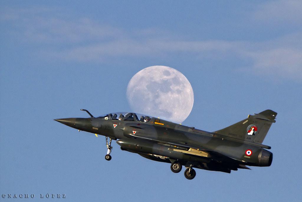 Dassault Mirage 2000 | Alcance: 1 550 km Envergadura: 8,8 m