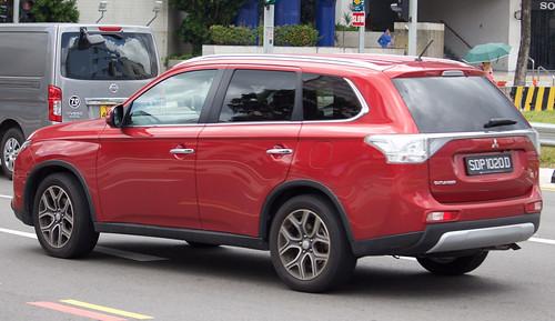 2015 Mitsubishi Outlander (ZJ) 2.4 wagon Photo