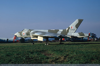 XH483 - Vulcan B.1A - Royal Air Force - Manston - 24 October 71 | by THE Graf Zeppelin