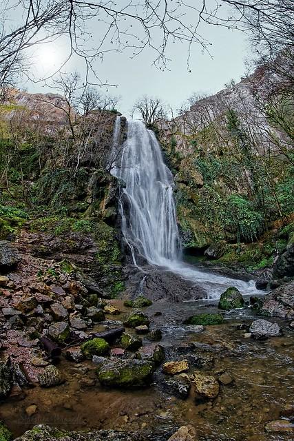 The waterfall of Autoire circus - La cascade du cirque d'Autoire 2