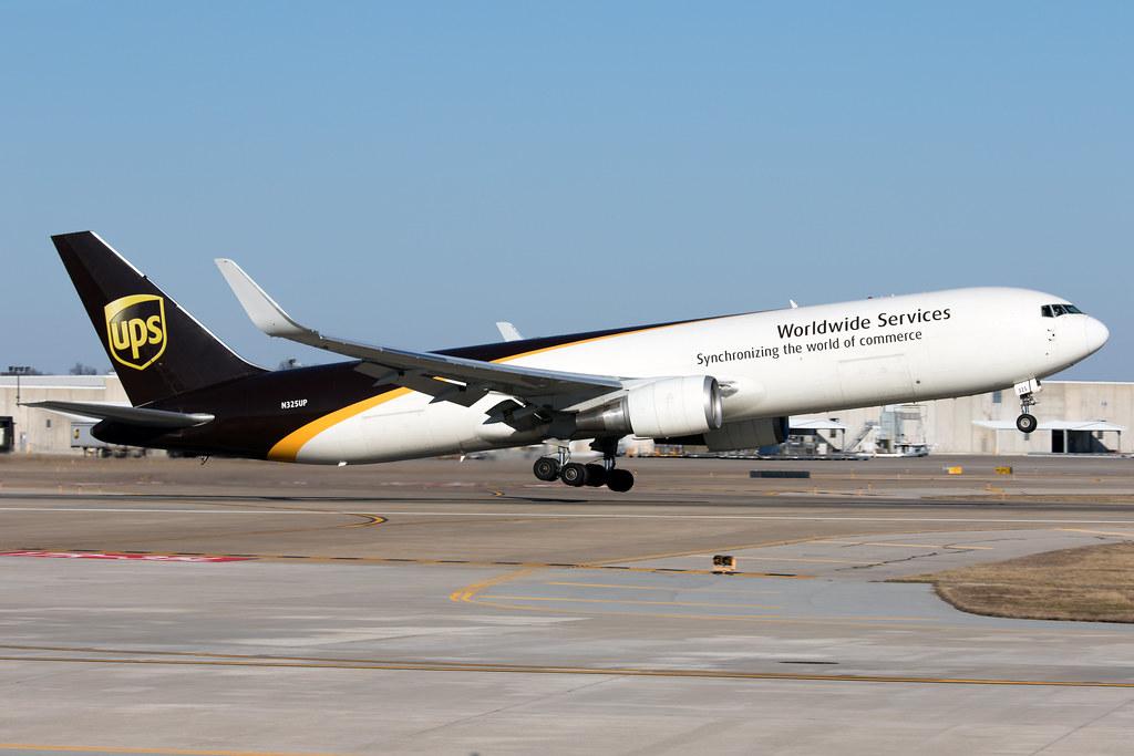 N325UP_Boeing767-300F_UnitedParcelService_KSDF