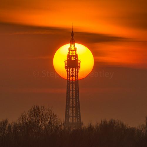 blackpool solar sunrise telephoto tower