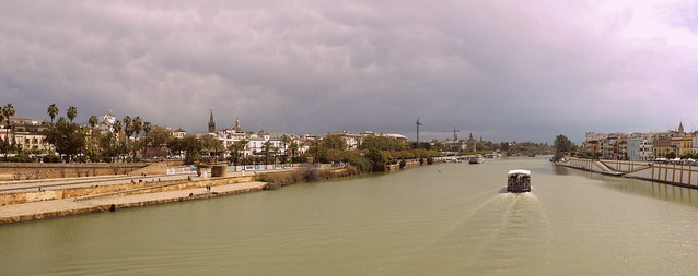 the river guadalquivir in sevilla (2)