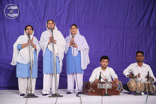 Garhwali devotional song by devotees from Madangir
