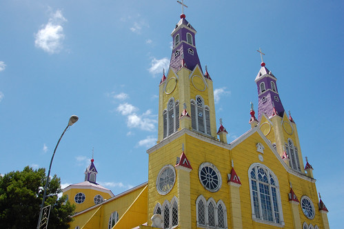 Iglesia de San Francisco, Castro, Chiloé, Chile   by blueskylimit