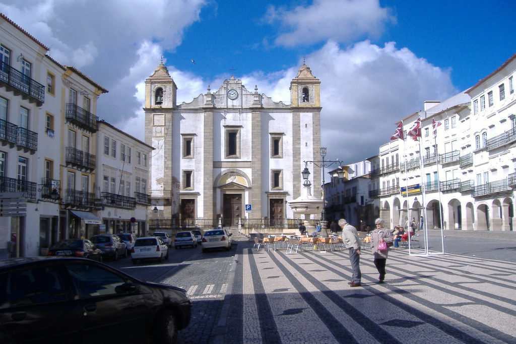 Praça do Giraldo, Évora