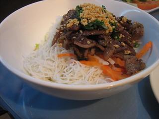 Pork chop with rice vermicelli