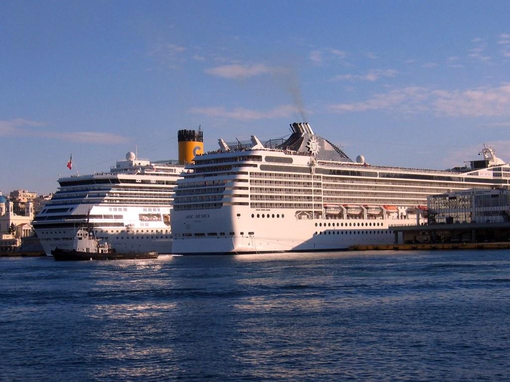 Costa Concordia & MSC Musica | Costa Concordia of Costa Crui… | Flickr