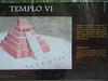 Tikal, Temple VI, všechny pyramidy jsou krátce popsané na infomačních tabulích španělsky a anglicky, foto: Petr Nejedlý