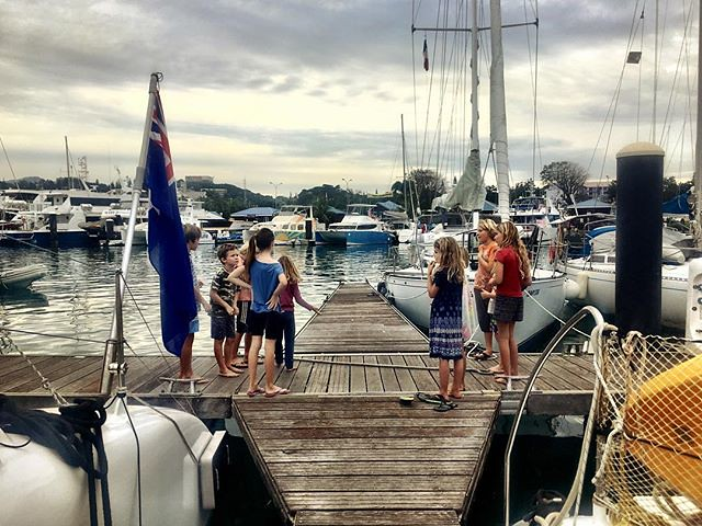 133/365 * all the awesomeness of a #kidboat meet up - happy kids who get to frolic; happy adults who get a break... • . #outdoorfamilies #play #newcaledonia #abcmyphoto #boatkids #kids #portmoselle #catamaran #anchored #bellalunaboat #cruising #exploring