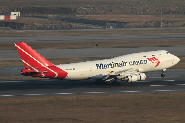 PH-MPR, Martinair 747-400, Hong Kong