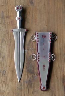 Roman dagger and scabbard | by The Armatura Press