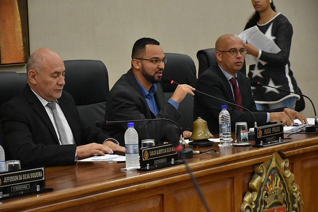 Vereadores aprovam moção de repúdio contra mal atendimento