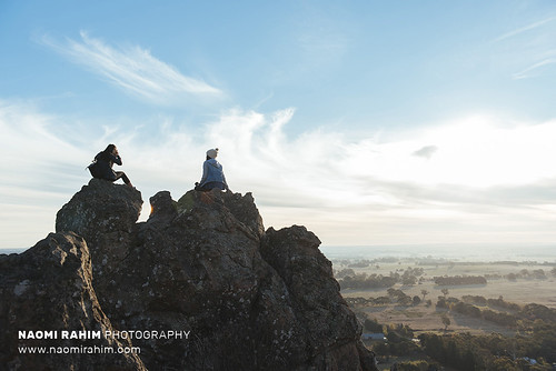hangingrock summit hike mountain victoria australia 2018 winter landscape rockformation nikon nikond750 roadtrip clouds sky girls outdoors travel explore