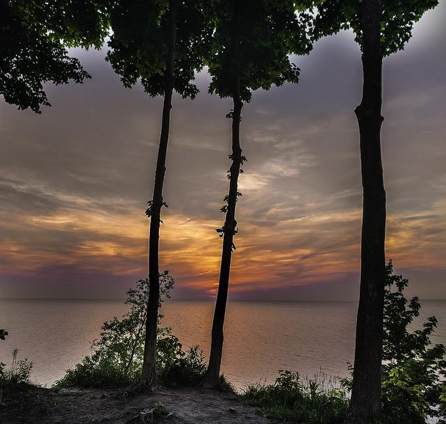 Lake Erie Bluffs_20180528_02