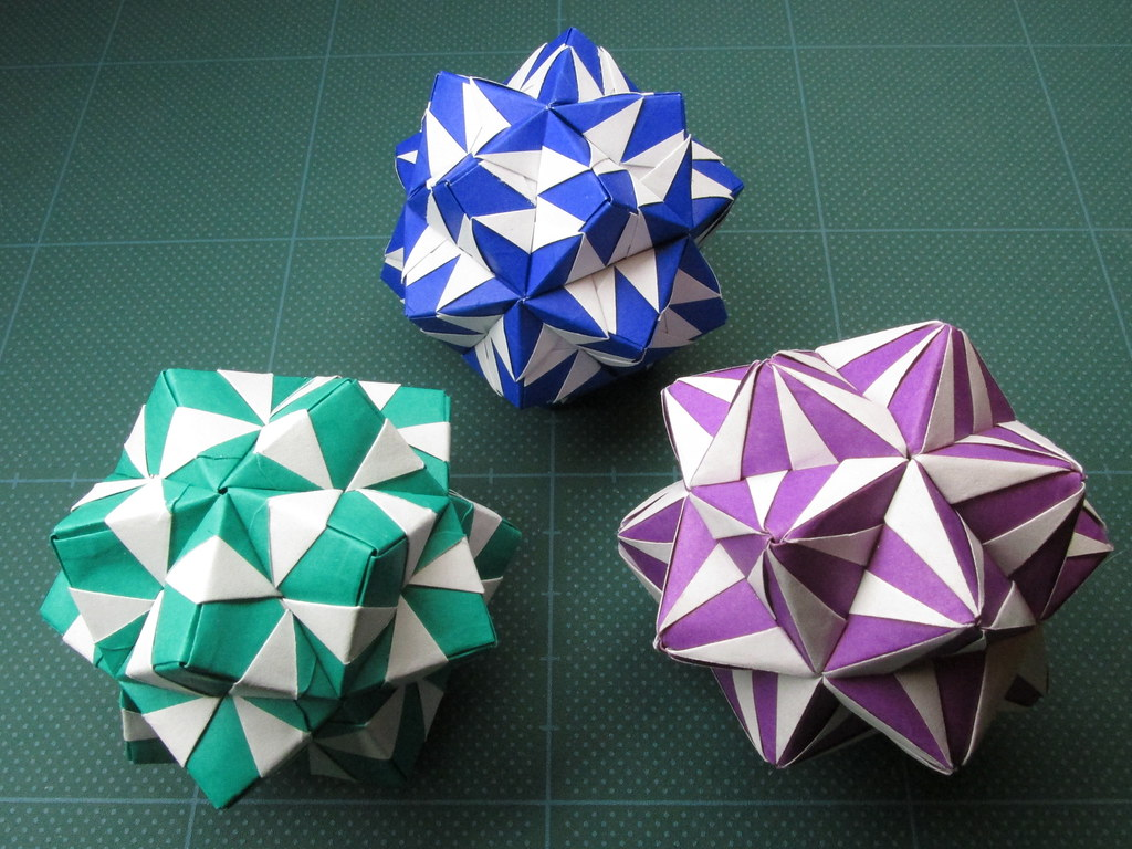 "Reversed Sonobe Variation Module | Designer: ""Sosaku Origami… | Flickr | 768x1024"