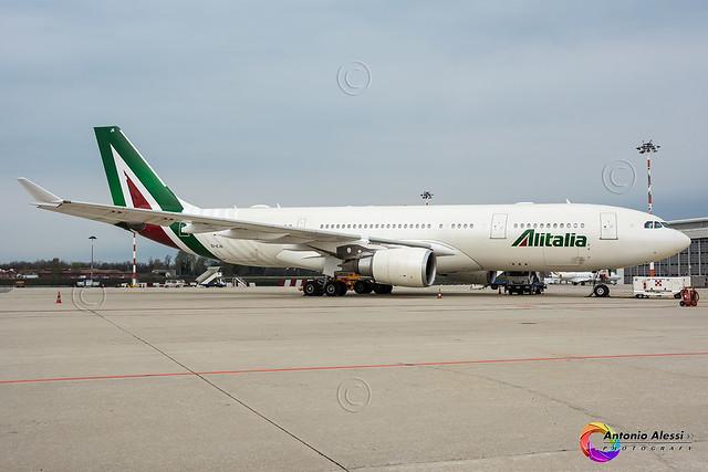 EI-EJG Alitalia MXP