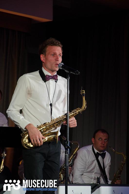 Большой джазовый оркестр-074