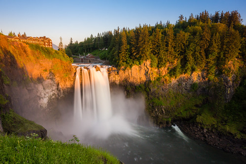 snoqualmiefalls snoqualmie waterfall goldenhour sunset water twinpeaks