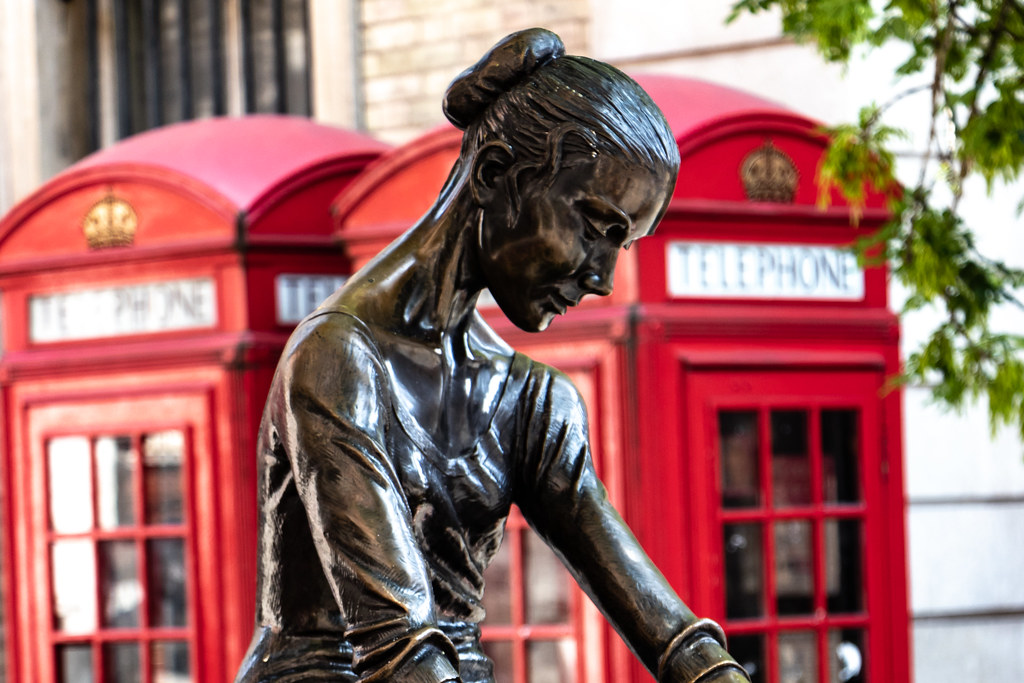 Just across from the Royal Opera House in Covent Garden is a beautiful statue of a young dancer - a bronze sculpture by Enzo Plazzotta and unveiled in May 1988.